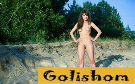 Валентина из Николаева оголилась на природе возле села