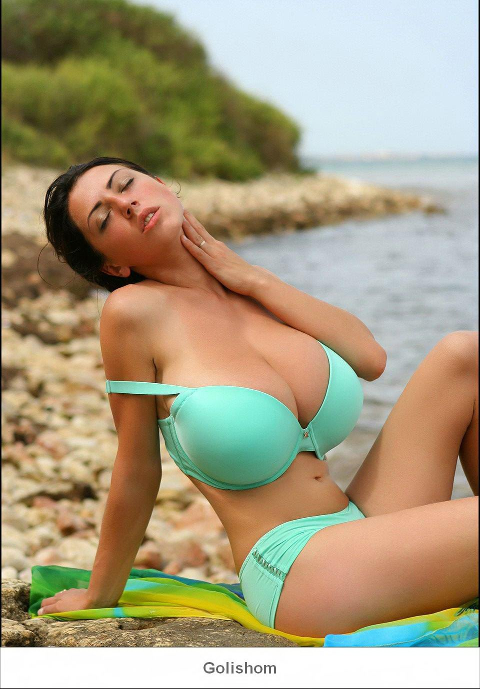 Teen busty merilyn beach filmi lezbijke