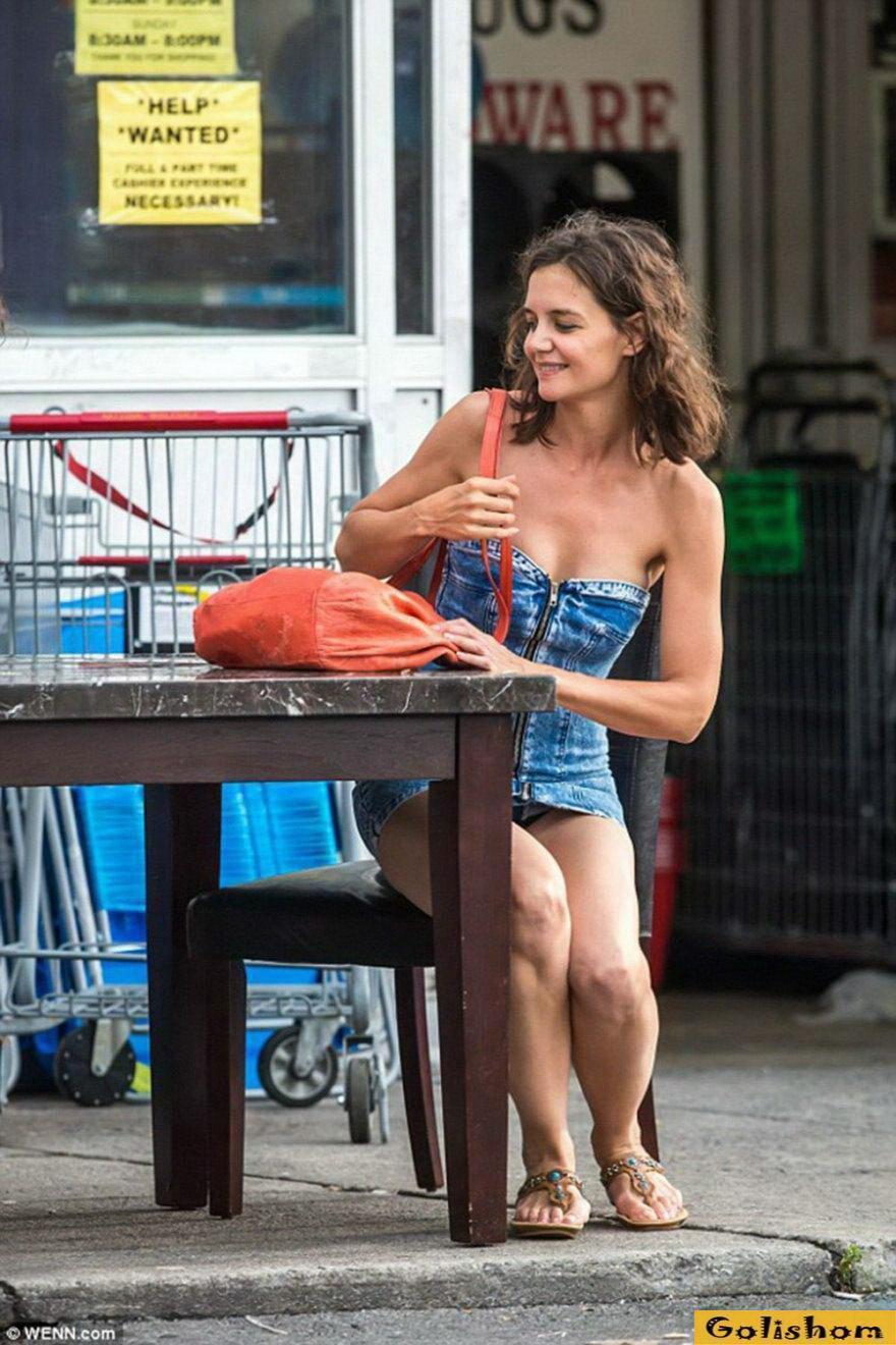Засветы голышом: Бывшая жена Тома Круза показалась на публике в очень коротком платье - 29.09.2018